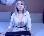 Online cam sex free with Evelyn. Female webcam from eu
