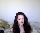 Live web sex chat  with blprincess. Brunette with medium tits