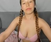 Free live sex web chat  with udhayarani. Female webcam from bogota d.c., colombia