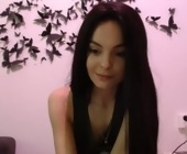 Sexy free live cam  with sexygoldyx. Brunette with small titties