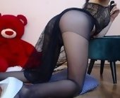 Sex live web  with Miss-Laurie. Brunette with small breasts