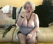 Live sex chat for free  with JustLayla. Blonde with big breasts