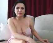 Chat live cam sex  with Aneflow. Brunette with big boobies